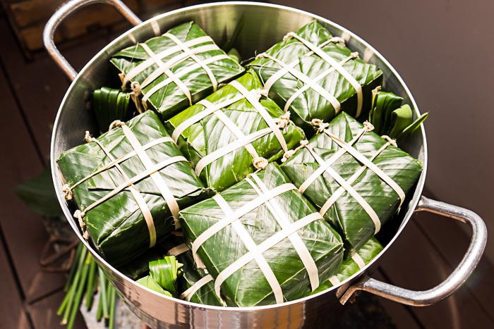 Making Banh Chung