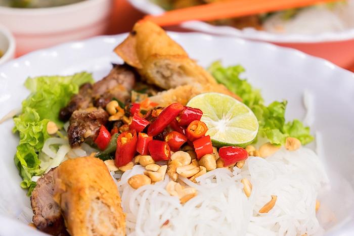 Bún Thịt Nướng Street Food